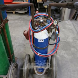 Flaschenwagen mit Sauerstoff und Gas