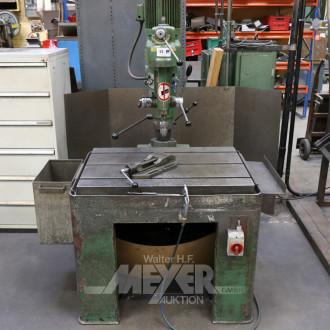 Radialbohrmaschine mit Schraubstock