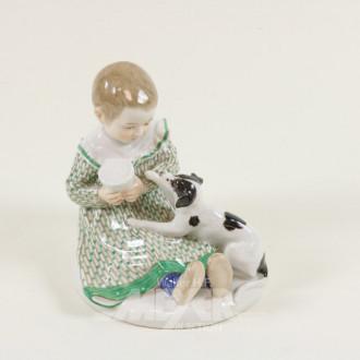 Pozellanfigur, ''Mädchen mit Hund''