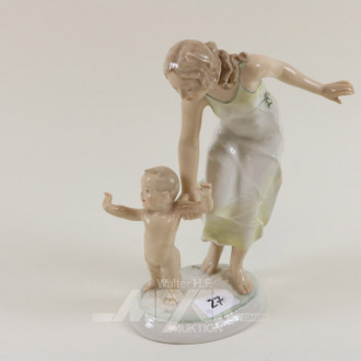 Porzellanfigur, ''Mutter mit Kind''
