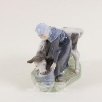 Porzellanfigur, ''Bäuerin mit Kalb''