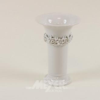Porz.-Vase, KPM, weiß mit Rosenranken