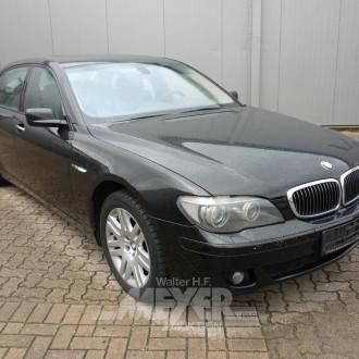 BMW 760 Li, schwarz