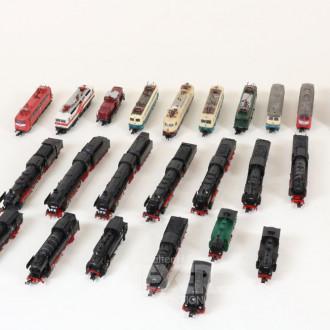 24 Modell-Loks und Triebwagen, FLEISCHMANN