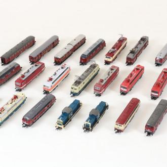 18 Modell-Loks und Triebwagen, ROCCO