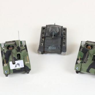 3 versch. Militärfahrzeuge ''Panzer, Blech