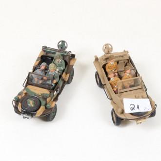 2 Militärfahrzeuge ''Amphibienfahrzeuge''