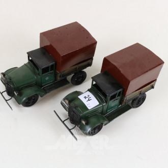2 Blechfahrzeuge ''LKW''