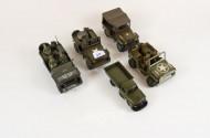 8 div. Militärfahrzeuge
