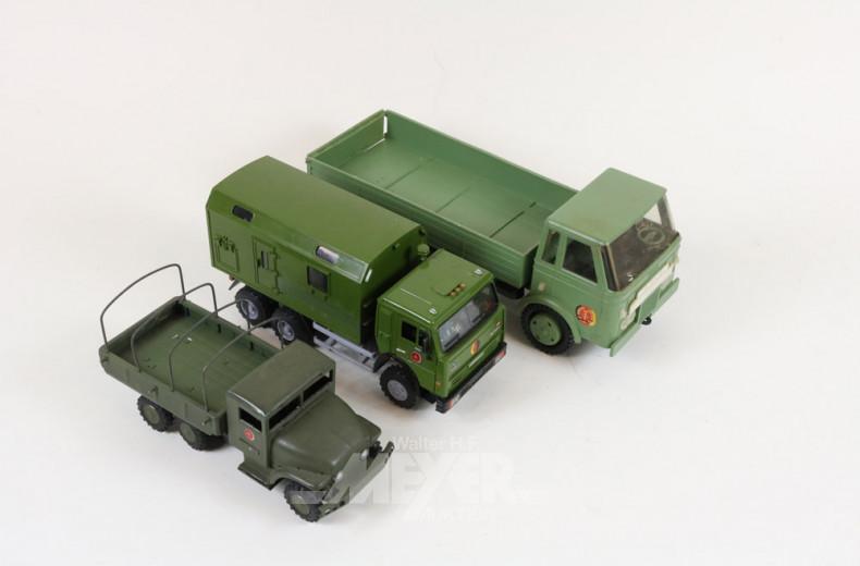 gr. Posten NVA-Soldaten, Fahrzeuge, etc.