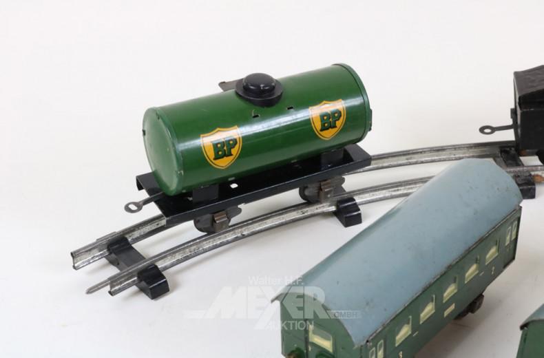 alte Modelleisenbahn, H0, mit Lok,