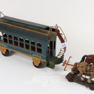 Straßenbahnwagen mit Pferdegespann,