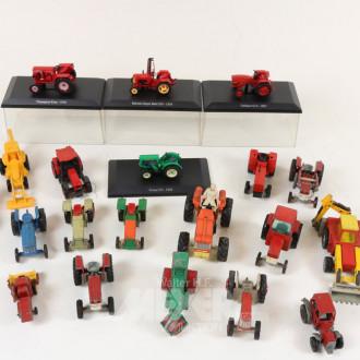Posten div. Modell-Traktoren