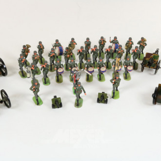 Soldaten-Musikcorps und 6 Geschütze,