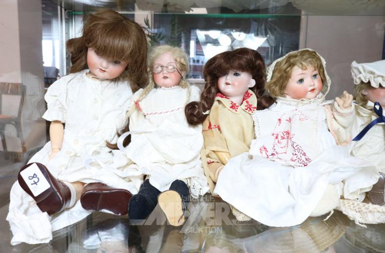 8 div. Puppen