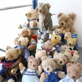 17 div. Teddys, u.a. STEIFF