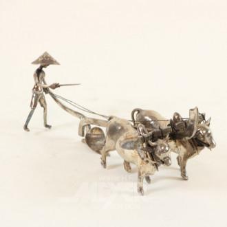 Figurengruppe ''Bauer mit Ochsenpflug''