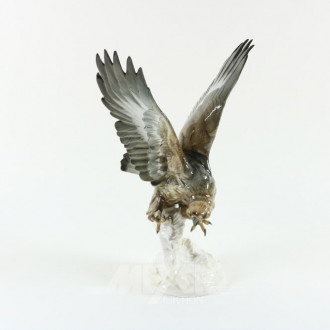 gr. Porzellan-Figur ''Greifvogel''