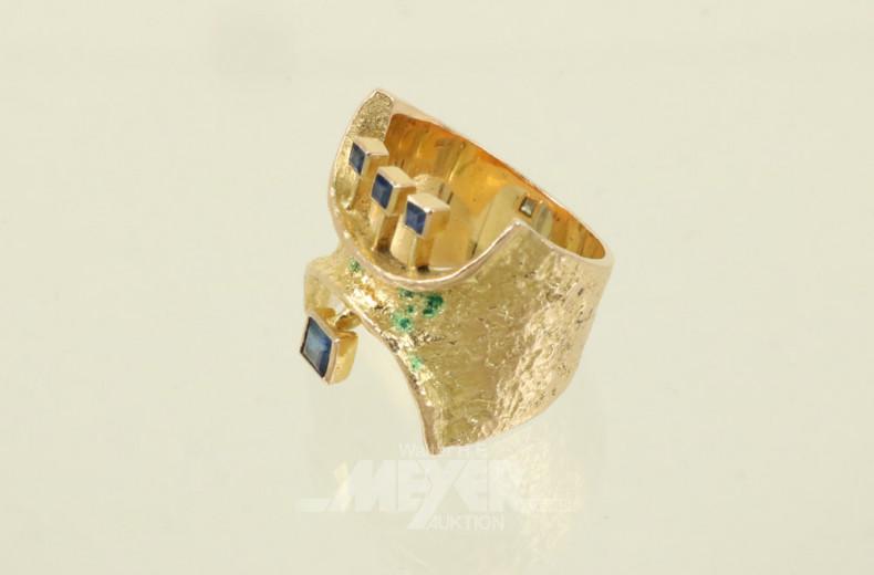 Ring, 750er GG, mit 4 kl. blauen
