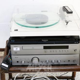 Musikanlage, bestehend aus:
