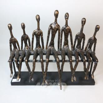 Figurengruppe, ''7 sitzende Männer''