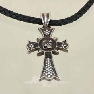 Anhänger, Silber, in Form eines Kreuzes