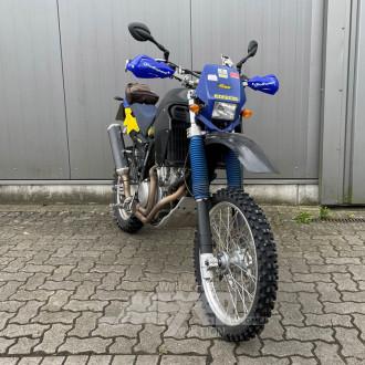 HONDA XRV650 Motorrad, blau/gelb