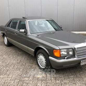 MERCEDES BENZ W126 420SEL, schwarz