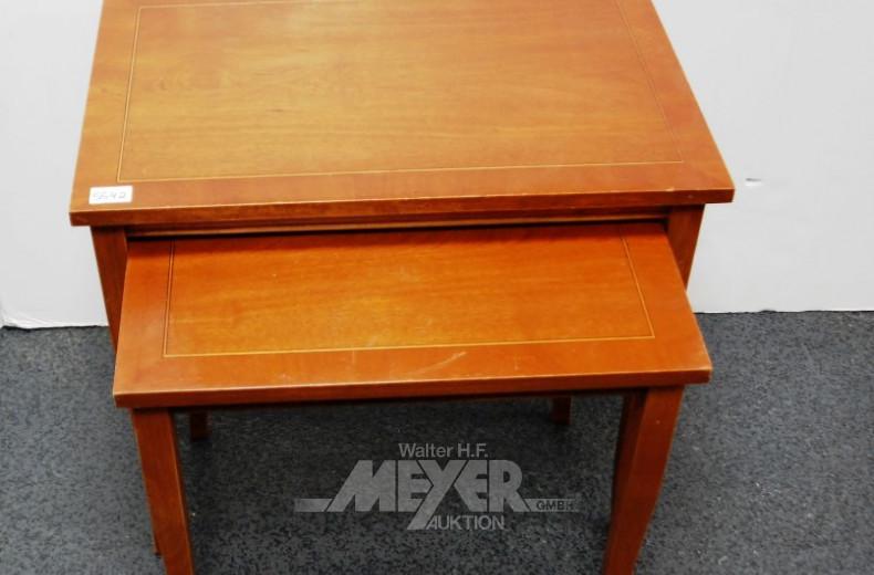 Zweisatz-Tisch, Nußbaum mit