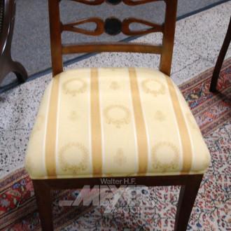 4 Stühle: