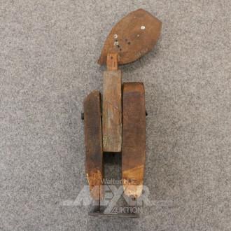 Holz-Skulptur ''fig. Darstellung''