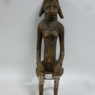 afrik. Skulptur ''sitzende Frau''