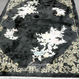 China-Teppich, schwarz mit Blumendekor