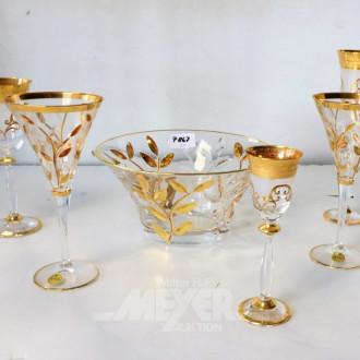 5 versch. Gläser und 1 Schale