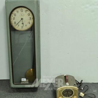 Fabrikuhr und 1 altes Uhrenradio
