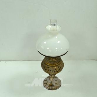 Petroleumlampe, Messing, weißer