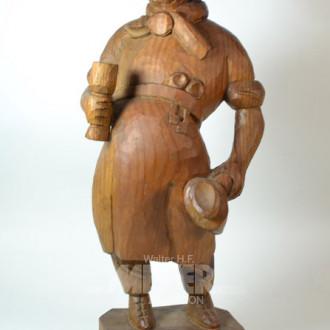Holzschnitzfigur ''Mann mit Bierkrug''