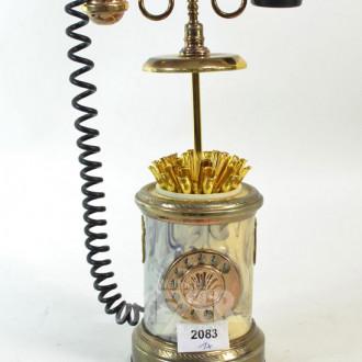 Telefon als Zigarettenhalter