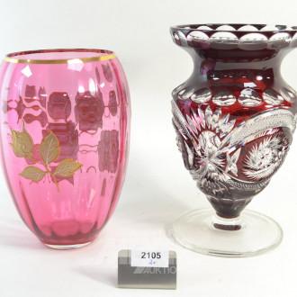 Kristallvase und 1 Buntglasvase