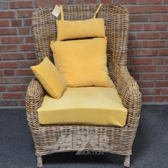 Sessel, Rohrgeflecht, 1 Kissen gelb
