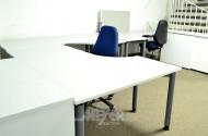 3 graue Schreibtische, höhenverstellbar,
