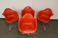 4 mod. Armlehn-Schalenstühle,