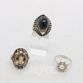 3 versch. Ringe, Silber mit Farbsteinen
