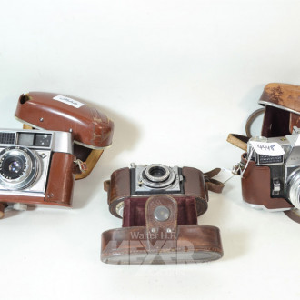 3 versch. Fotokameras: AGFA und KODAK