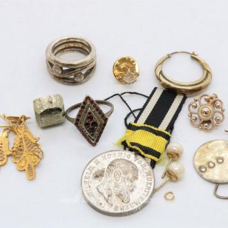 Orden sowie Silber- und Modeschmuck