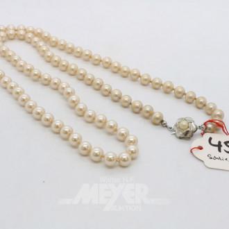 Modeschmuck-Perlenkette mit