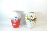 2 Porz.-Vasen, Blumendekor