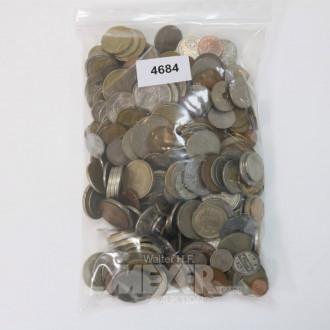 Posten div. ausländ. Münzen