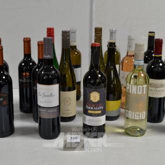 22 Flaschen Rot-, Weiß- u. Rosé-Weine