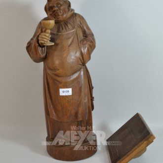 Holzschnitzerei ''trinkender Mönch'', auf